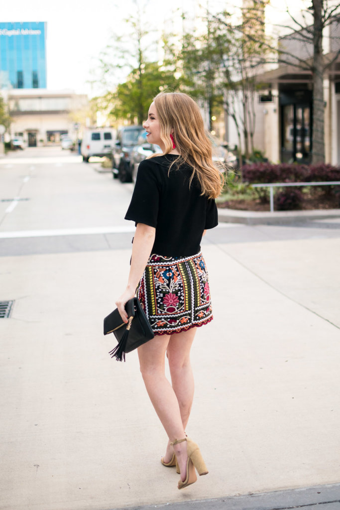 Embroidery has been such a hot spring trend. This skirt (under $30!) is such amazing quality, and the perfect fit. Embroidery perfect for a fun date night out, or spring day with your friends.