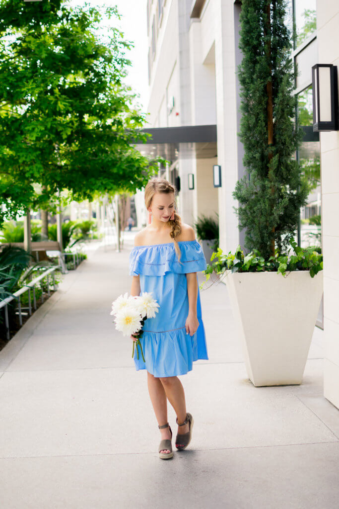 Deciding on what to wear to a spring wedding can be a tough decision. This ruffle off the shoulder dress is perfect for any spring wedding. Under $25 + the perfect material for an outdoor wedding and so easy to dance in!