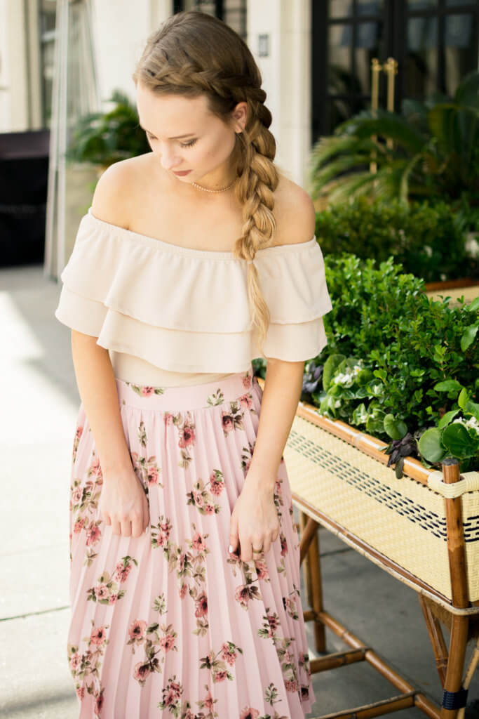 Being a petite gal (I am 5'2 for reference) I figured that a midi skirt was not a flattering length for my shorter frame. Sharing my tips on how to rock a midi skirt as a petite. What to style with a midi skirt for a petite | The Blonder Life
