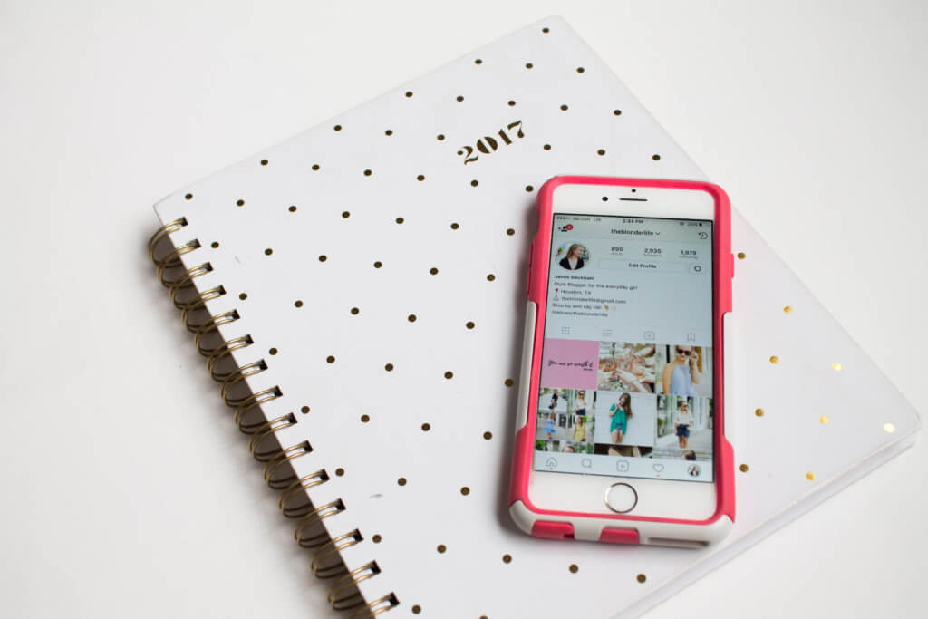 Promotion is key to gaining followers, and getting fresh eyes on your content. When it comes to blogging there is no such thing as over promotion. Listing 5+ places to promote your newest blog post   The Blonder Life