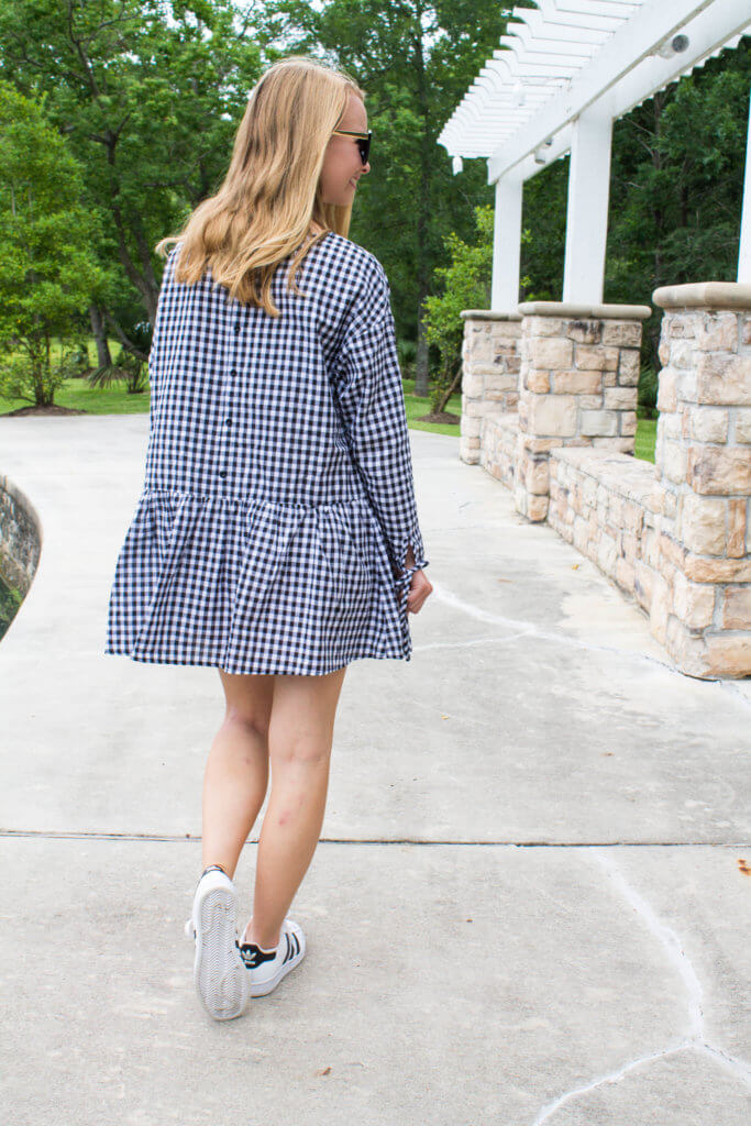 Rounded up a ton of gingham dresses, and sharing my favorite here! I love the gingham trend, and hope it is here to stay. Gingham summer trend to try | The Blonder Life