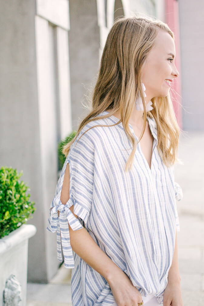 Perfect everyday casual top that you can wear year round. Love this casual top with the sleeve details (wearing xs) Click through to shop this under $40 casual top | The Blonder Life