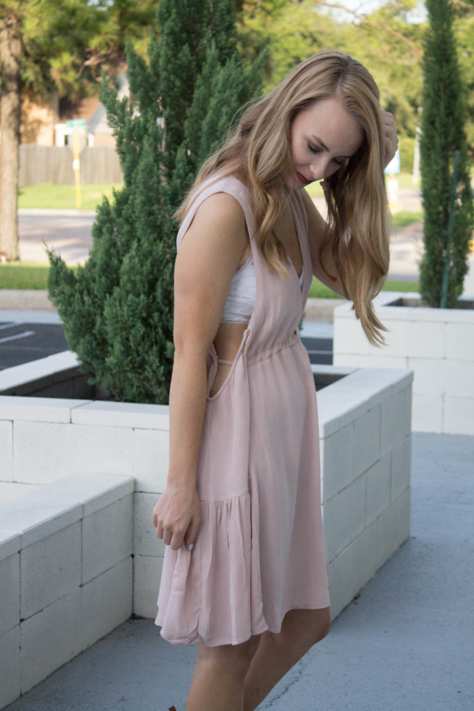 When it comes to my favorite style of dresses I always gravitate towards flowy and boho. Sharing 2 boho styled dresses that are affordable and so cute | The Blonder Life