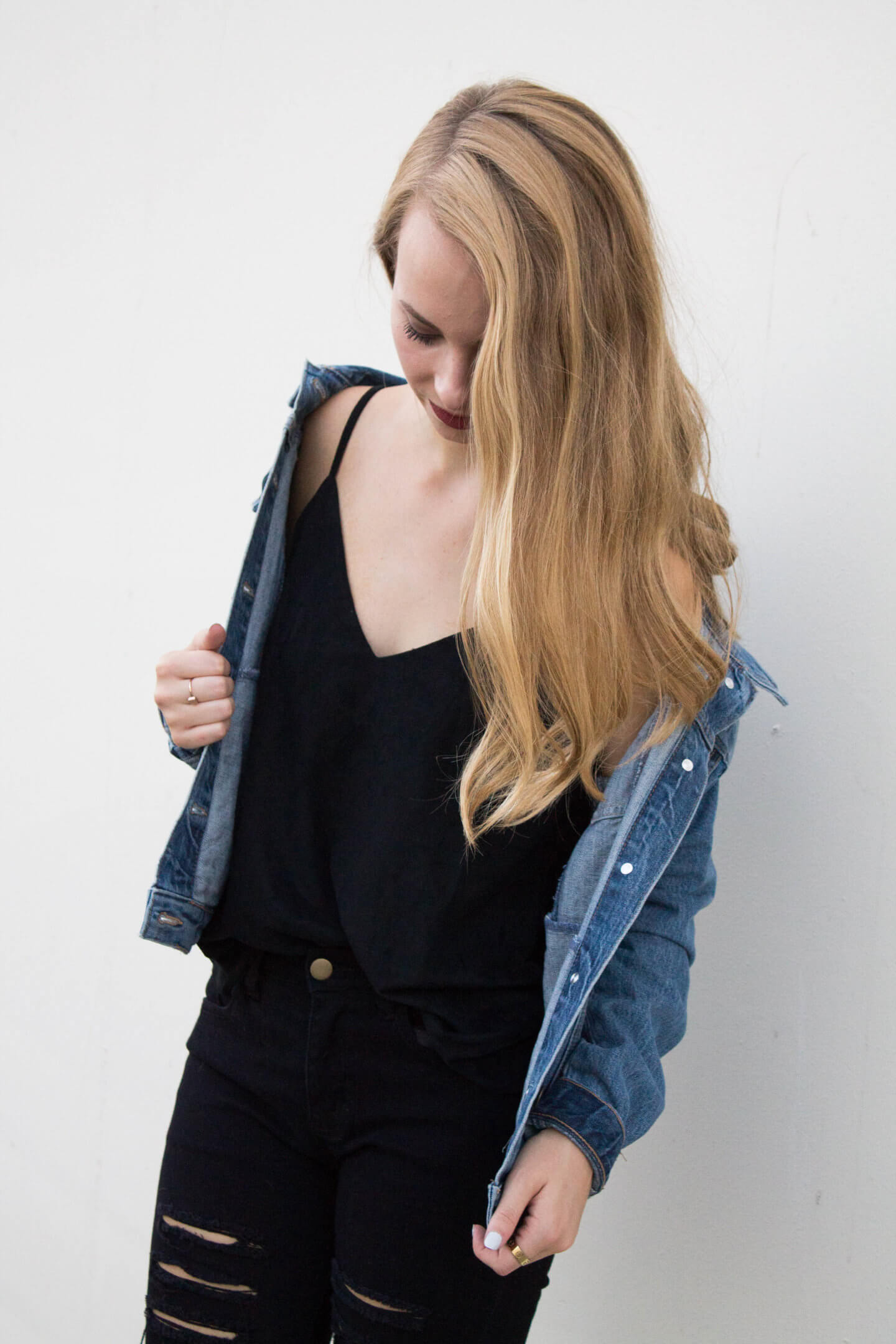 All black look for a fun day to night transition. I think every girl needs a go-to day to night look they can grab and go | The Blonder Life