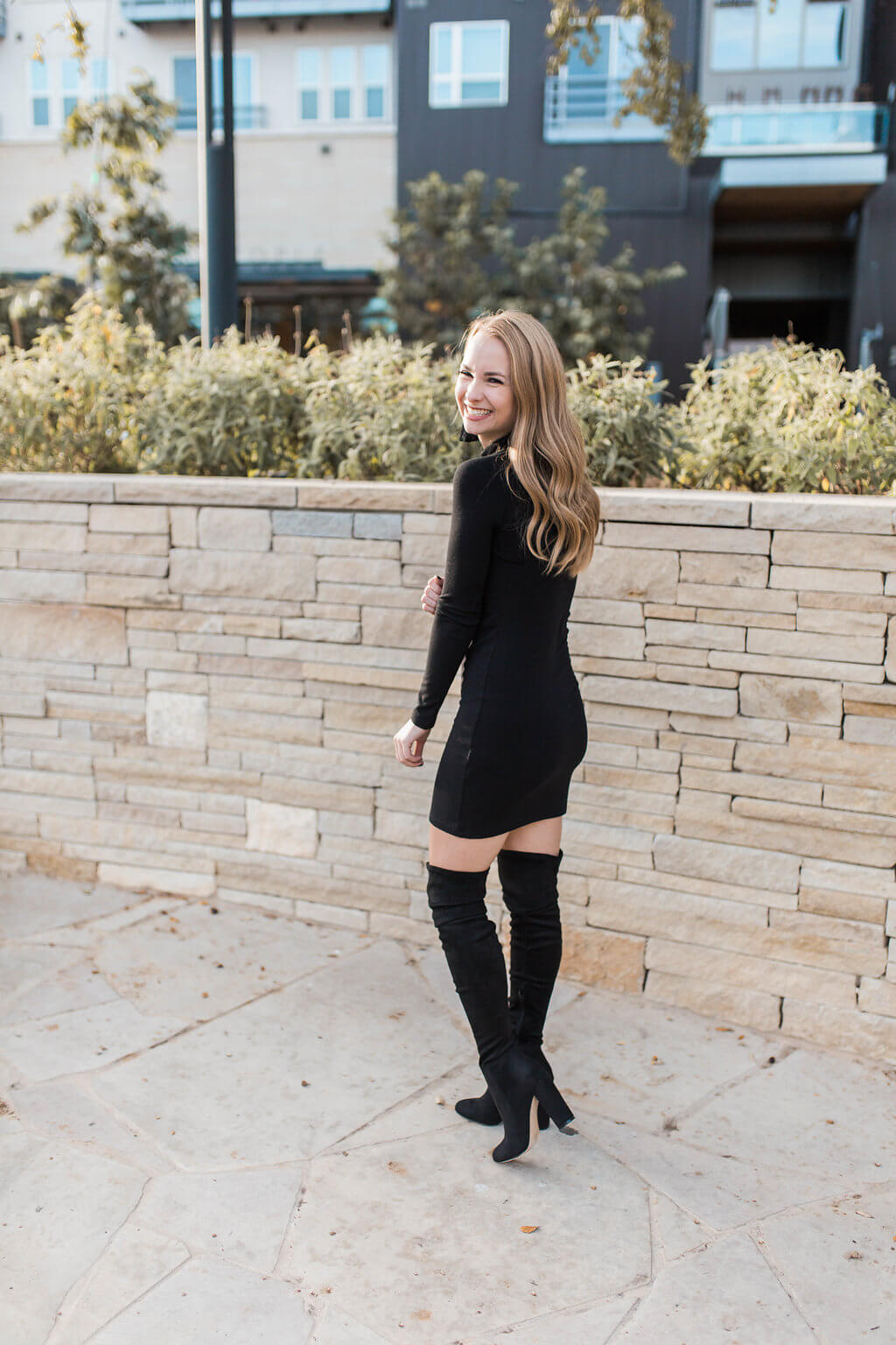 Black turtleneck bodycon dress that is the perfect closet staple. Little black dress perfect for winter | The Blonder Life