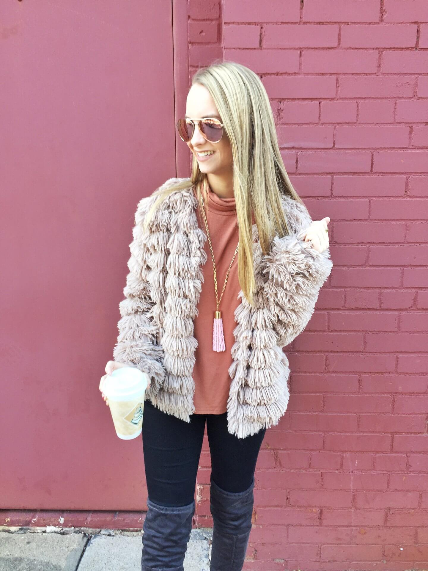 A travel guide for a girls trip in Waco, Texas. What to do for 24 hours in Waco Texas. The Blonder Life